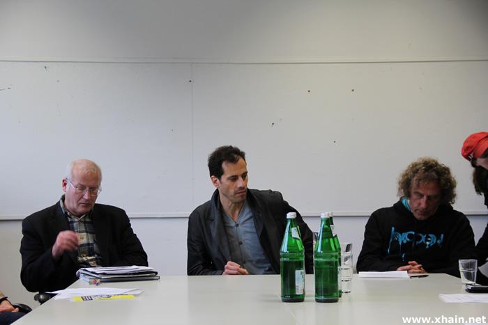 Bezirksbürgermeister Franz Schulz und der YAAM-Vorstand