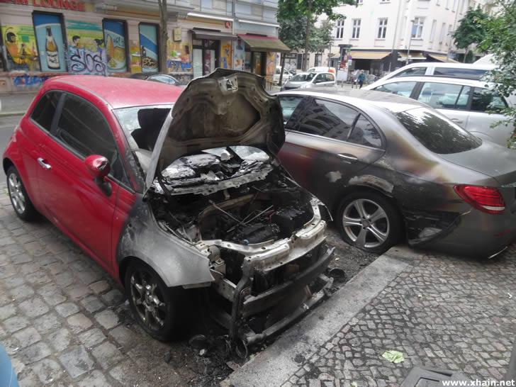 Fahrzeugbrand in der Rigaer Straße