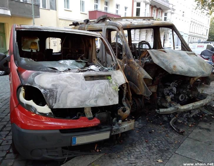 Ausgebrannte Fahrzeuge in der Boppstraße