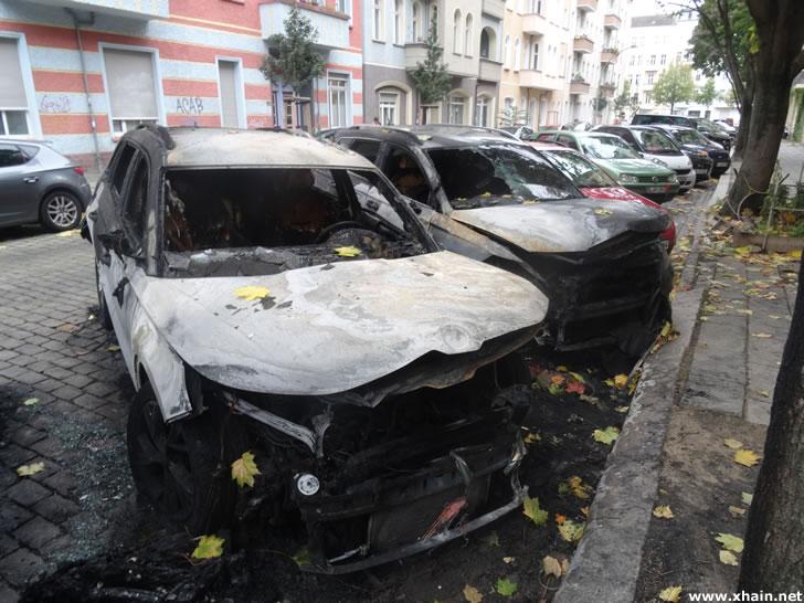 Ausgebrannter Skoda in der Ebelingstraße