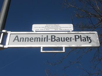 Annemirl-Bauer-Platz