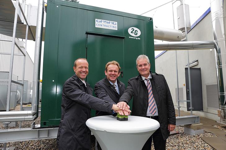 Von links: Michael Hapka, Geschäftsführer o2 World, Stefan Grützmacher Vorstandsvorsitzender der GASAG, Jörn Heilemannn, Geschäftsführer GASAG-Contracting