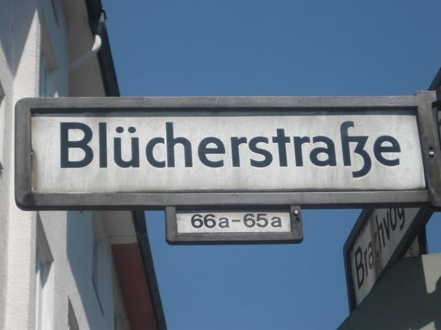 Kreuzberg: 23-Jähriger bricht Polizeibeamten die Nase