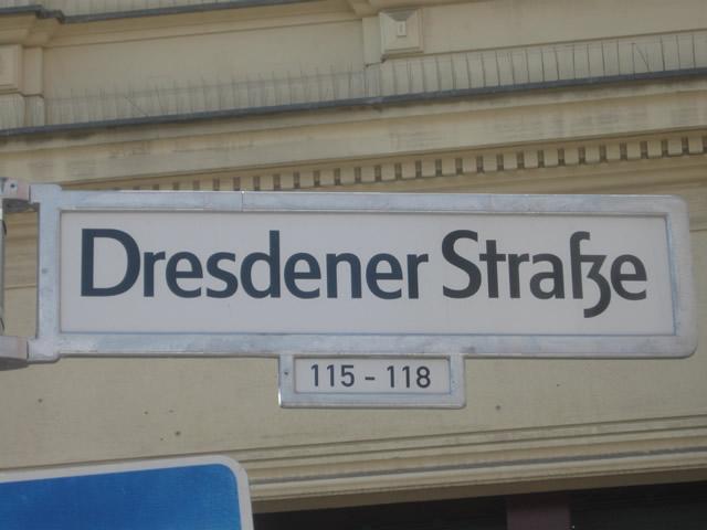 Kreuzberg: Mutmaßliche Dealer in der Dresdener Straße festgenommen