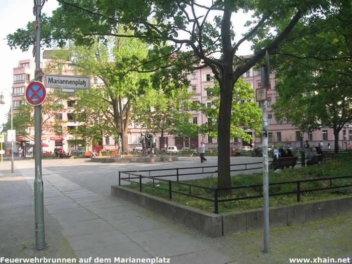 Feuerwehrbrunnen auf dem Marianenplatz