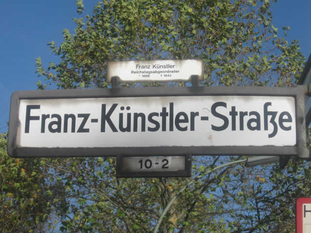 Kreuzberg: Festnahmen nach Autoeinbruch in der Franz-Künstler-Straße