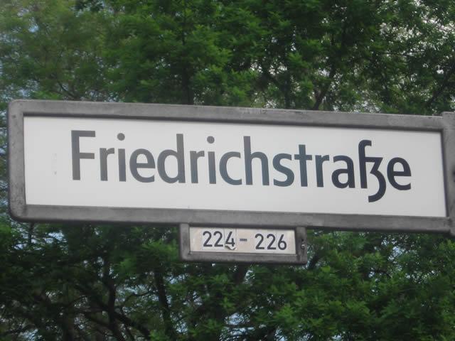 """Start des Probelaufs für Distanz-Elektroimpulsgeräte (""""Taser"""") in Kreuzberg"""