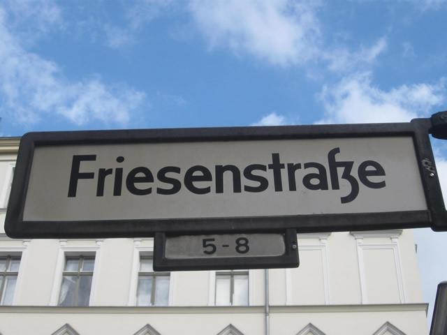 Friesenstraße: Asphalt statt Kopfsteinpflaster