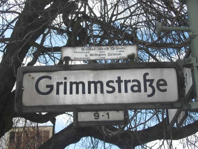 Kreuzberg: Pizzeria in der Grimmstraße überfallen