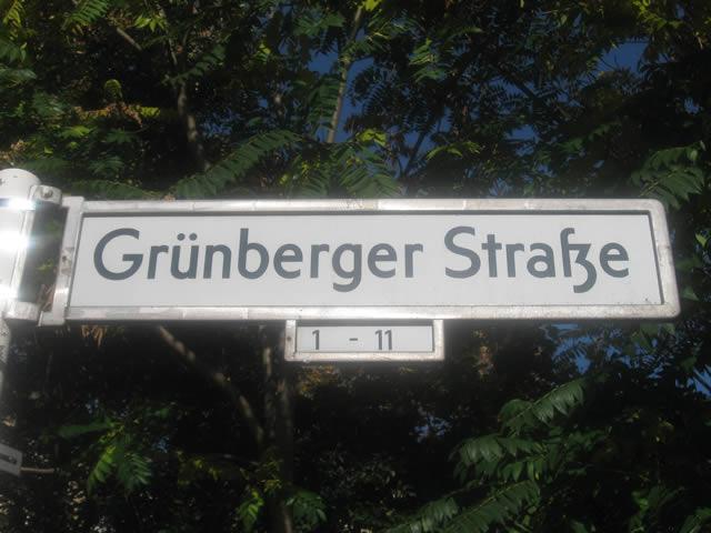 Friedrichshain: Kind in der Grünberger Straße angefahren