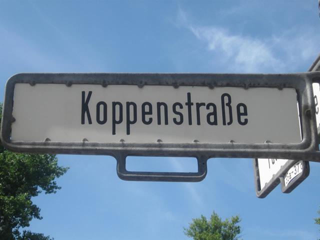 Friedrichshain: Hakenkreuz an Wand in Döner-Imbiss geschmiert