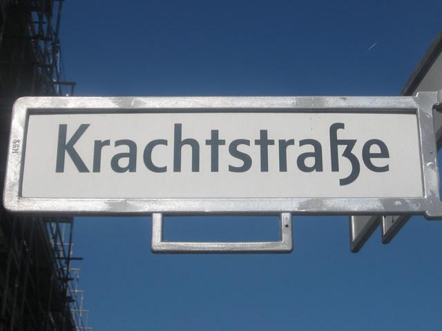 Friedrichshain: Brand auf Baustelle in der Krachtstraße