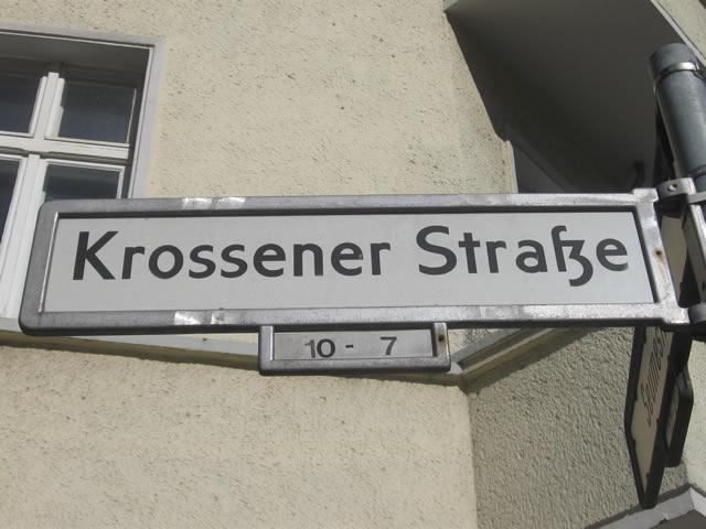 Friedrichshain: Festnahmen nach Lokaleinbruch in der Krossener Straße