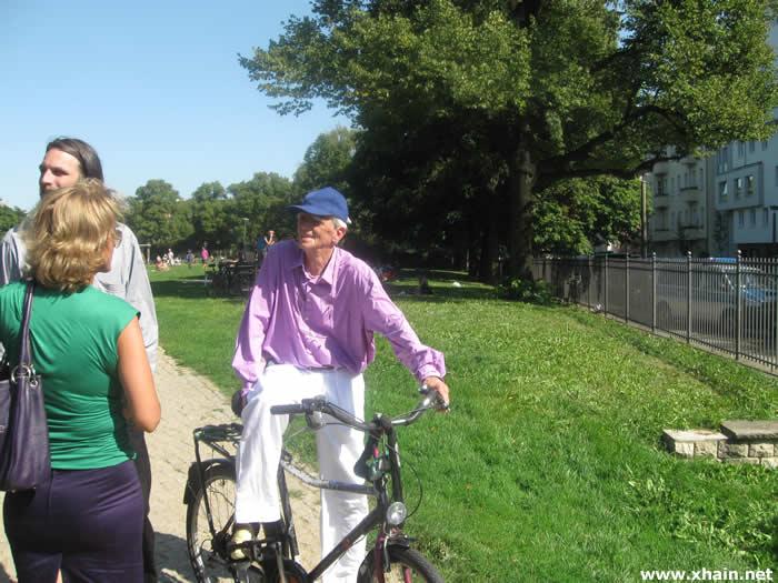 Der Mann auf dem Fahrrad - Hans-Christian Ströbele