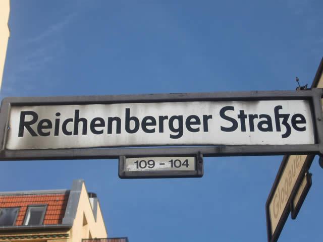 Kreuzberg: Rettungskräfte in der Reichenberger Straße angegriffen