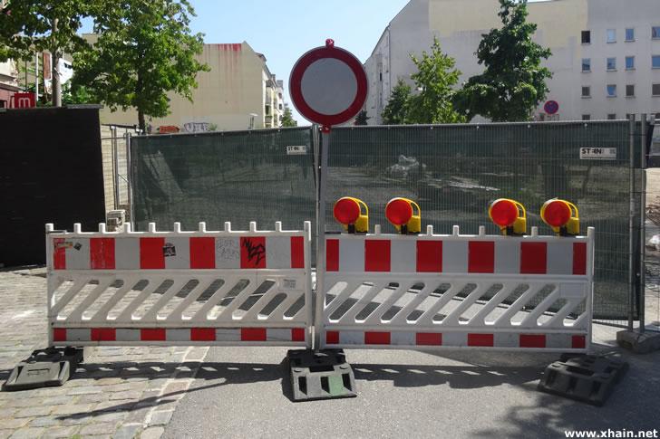 Rigaer Straße voll gesperrt