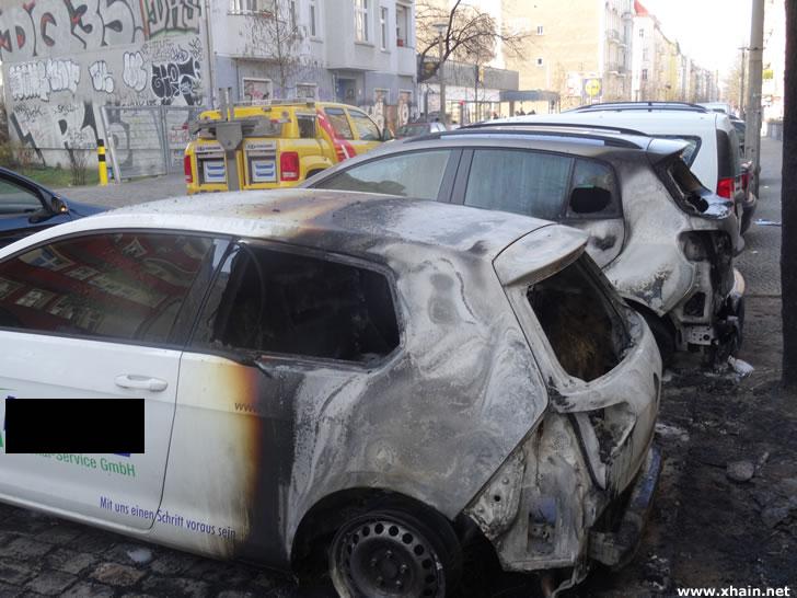 Rigaer Straße: Auto einer Zeitarbeitsfirma angezündet