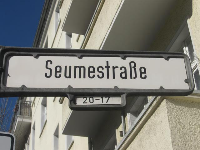 Friedrichshain: Drei Sprayerinnen in der Seumestraße festgenommen