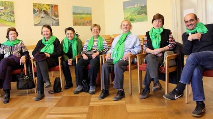 Bezirksstadträtin Monika Herrmann und die Spaziergangsgruppe