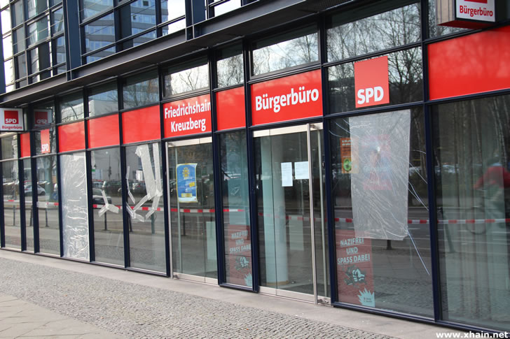Kreuzberg: SPD-Zentrale mit Steinen beworfen