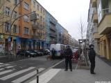 Polizeihund im Einsatz gegen Bewohner der Rigaer Straße 94
