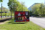 """Europawahl 2019: AfD-Wahlplakat """"Der Sklavenmarkt"""" mit roter Farbe"""