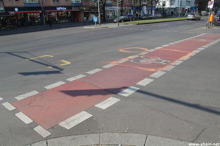 Unfall an der Ecke Frankfurter Allee / Samariterstraße