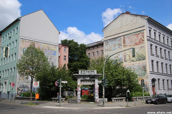 """Am """"Corner"""" Waldemarstraße Ecke Adalbertstraße soll angeblich Werbung der Firma """"NIKE"""" angebracht werden"""