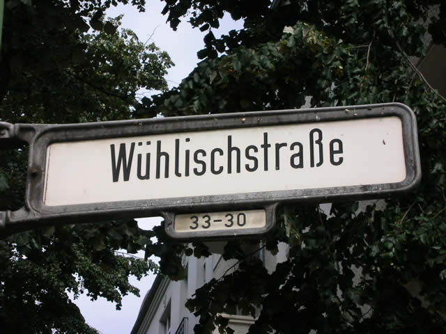 Friedrichshain: Goldschmiede in der Wühlischstraße überfallen